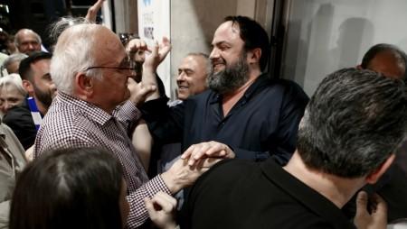 Ντελίριο ενθουσιασμού για τον «Πειραιά Νικητή» και την πρώτη μεγάλη νίκη του! (pics, vid)
