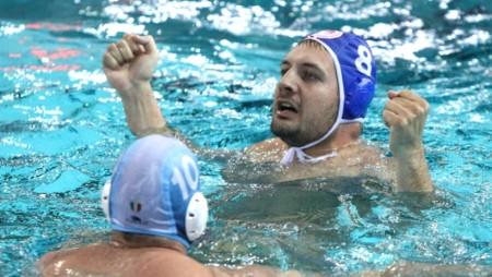 Μπούσλιε: «Για πάντα Ολυμπιακός» (pics)