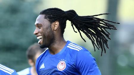 «Χαρούμενος για το πρώτο μου γκολ στον Ολυμπιακό» (pic)
