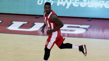 «Τελειώνουν» παίκτες από τον Ολυμπιακό