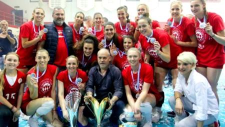 Θρυλικό τρεμπλ από τα κορίτσια του Ολυμπιακού!