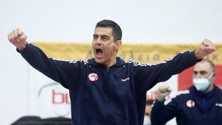 Καζάζης: «Είμαστε Ολυμπιακός. Λείπει το... κερασάκι στην τούρτα»