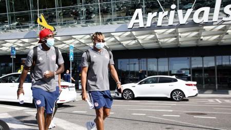 Ολυμπιακός: Έφτασε στη Σλοβακία (photos)