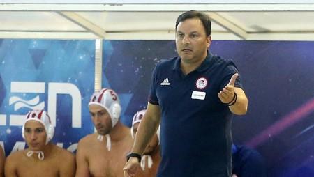 Βλάχος: «Είμαι στον Ολυμπιακό, πρέπει να τιμάς το λόγο σου»