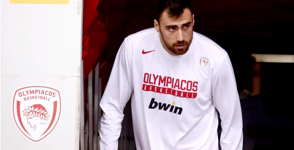 Έμεινε και τυπικά στον Ολυμπιακό ο Μιλουτίνοφ!