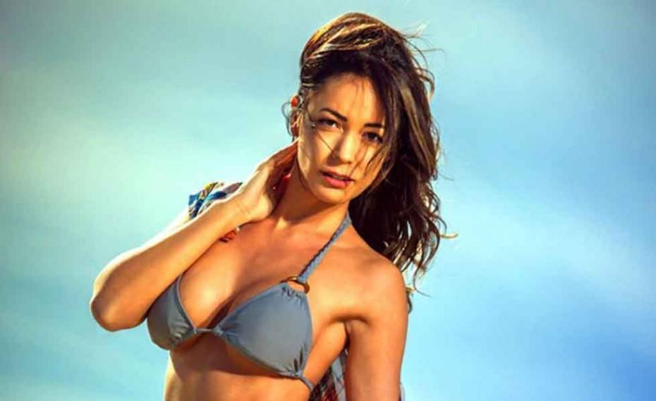 Η Έλλη Παπαγγελή σε νέα φωτογράφηση με bikini - Gossip - gavros.gr 4ce2f5b7b9a