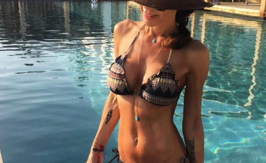 Ελίνα Καντζά: Topless και με ψηλοτάκουνα στο Instagram