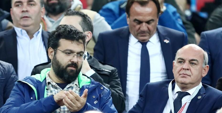 Εξέθεσε FIFA και UEFA