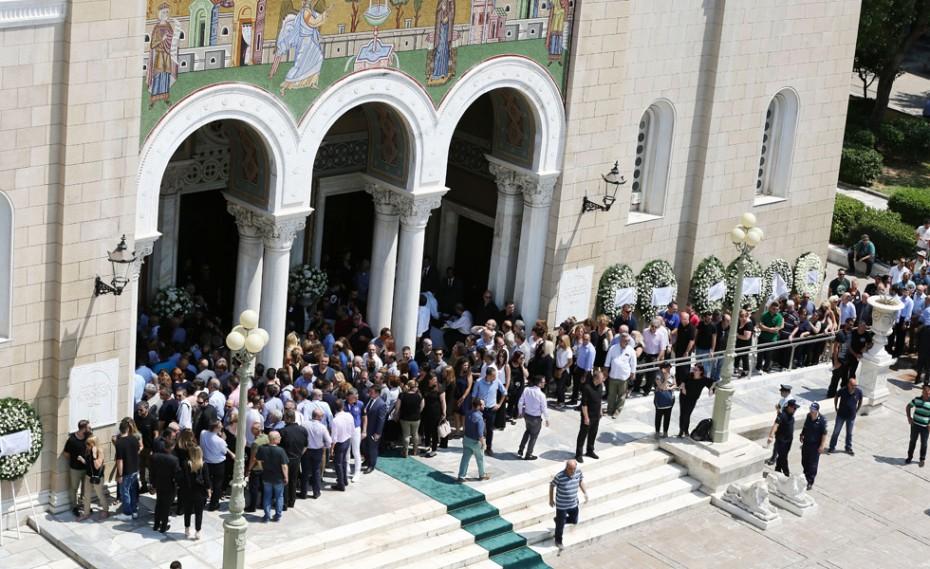 Εκπρόσωποι του Ολυμπιακού στην Ιερά Μητρόπολη