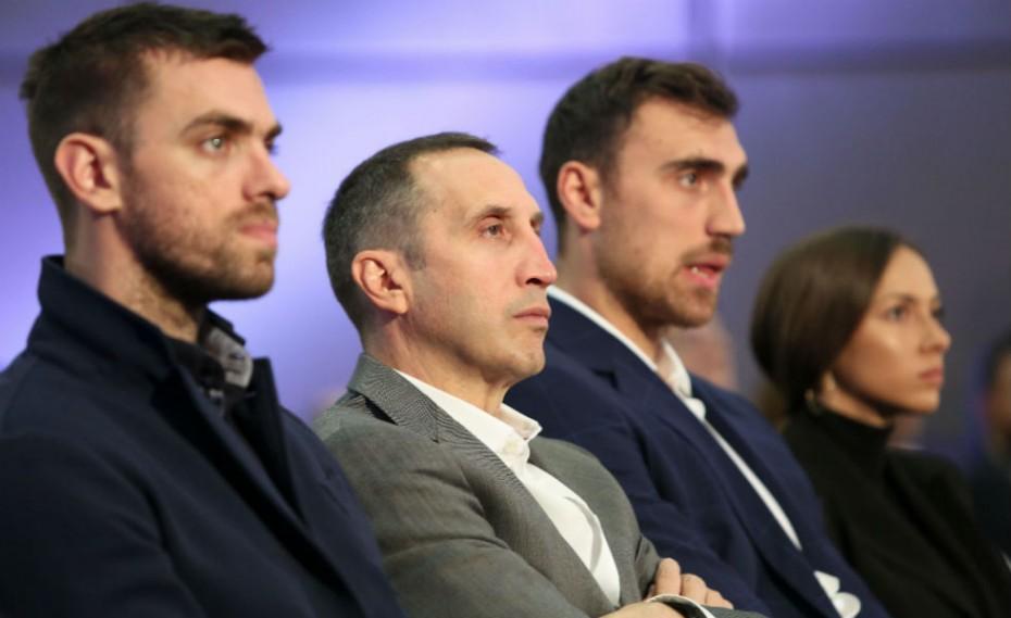 Οι «ερυθρόλευκοι» στην επίσημη παρουσίαση της BasketLeague (pics)