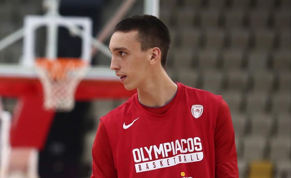 «Να αρχίσω να παίζω στην πρώτη ομάδα, το μέλλον μου στον Ολυμπιακό»