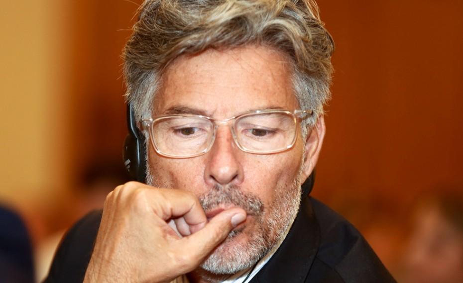 Ο Περέιρα στην Ελβετία, ψάχνουν λύσεις ΦΙΦΑ και ΟΥΕΦΑ