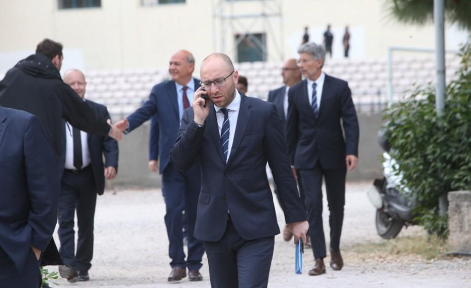 Η FIFA και η UEFA κάνουν ότι δεν βλέπουν
