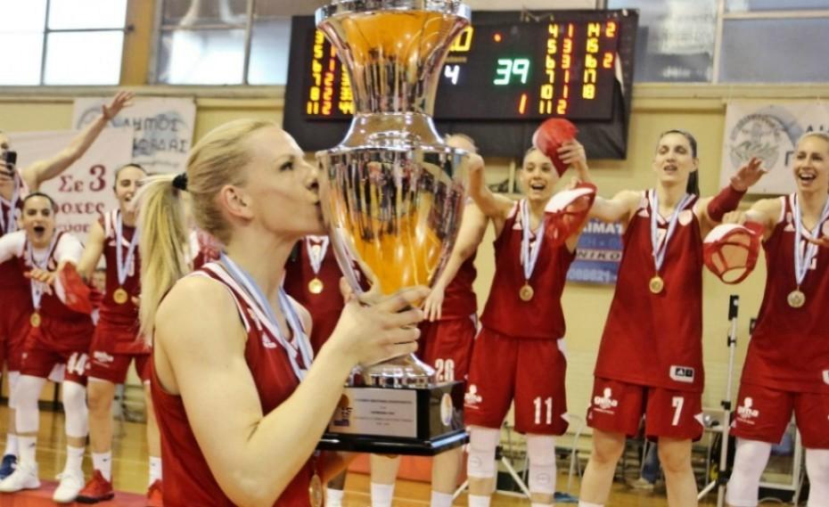 «Υπερβολικά χαρούμενη που συνεχίζω στην κορυφαία ομάδα της Ελλάδας»