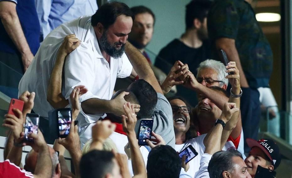 «Τρελάθηκε» ο ηγέτης του Ολυμπιακού! (pic)