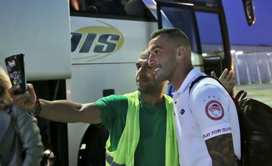 «Κλικ» από την άφιξη του Ολυμπιακού στη Θεσσαλονίκη!