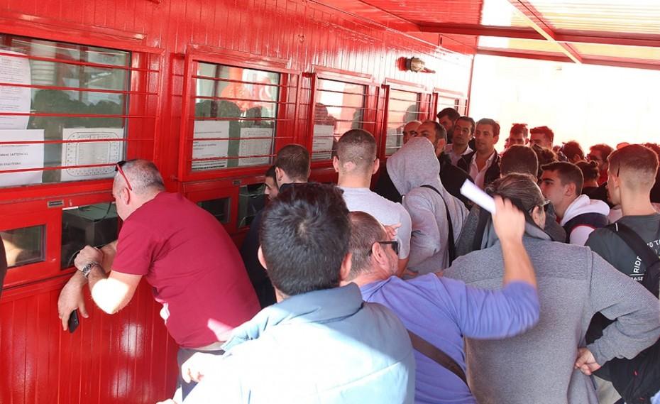 Ουρές στο Καραϊσκάκη για ένα εισιτήριο με την Τότεναμ! (pics)