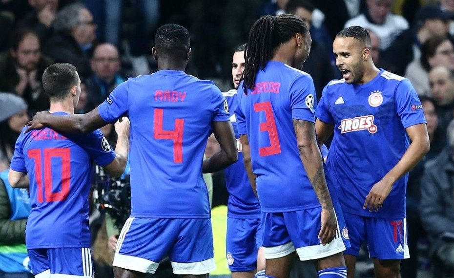 Σεμέδο, 0-2 και... ερυθρόλευκη «τρέλα» στο Λονδίνο! (vid)