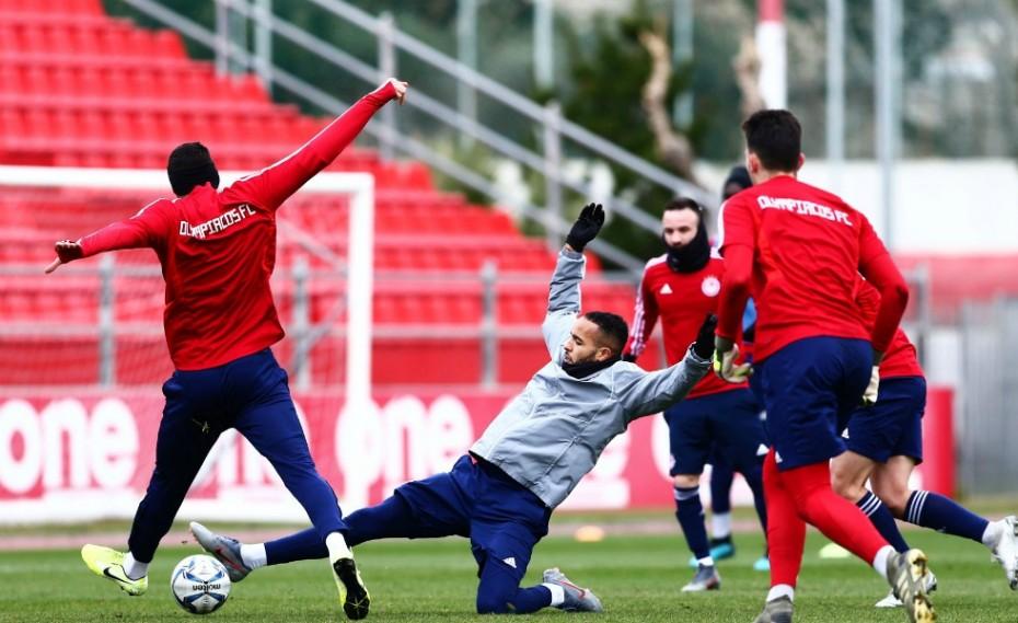 «Φουλάρει» για Άρσεναλ ο Ολυμπιακός! (photos)