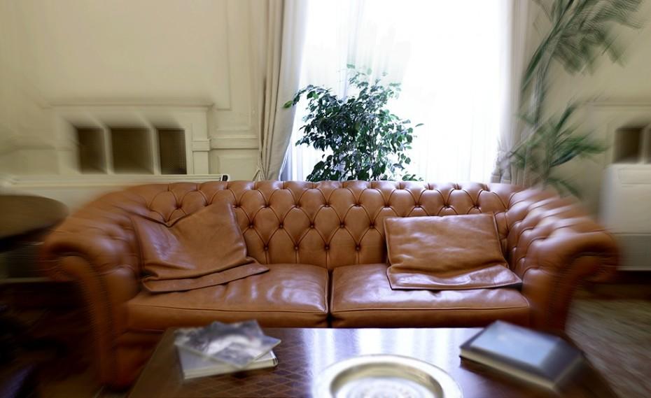 Τους καναπέδες ξεσκονίστε, πουθενάδες! Παίζει ο Θρύλος!