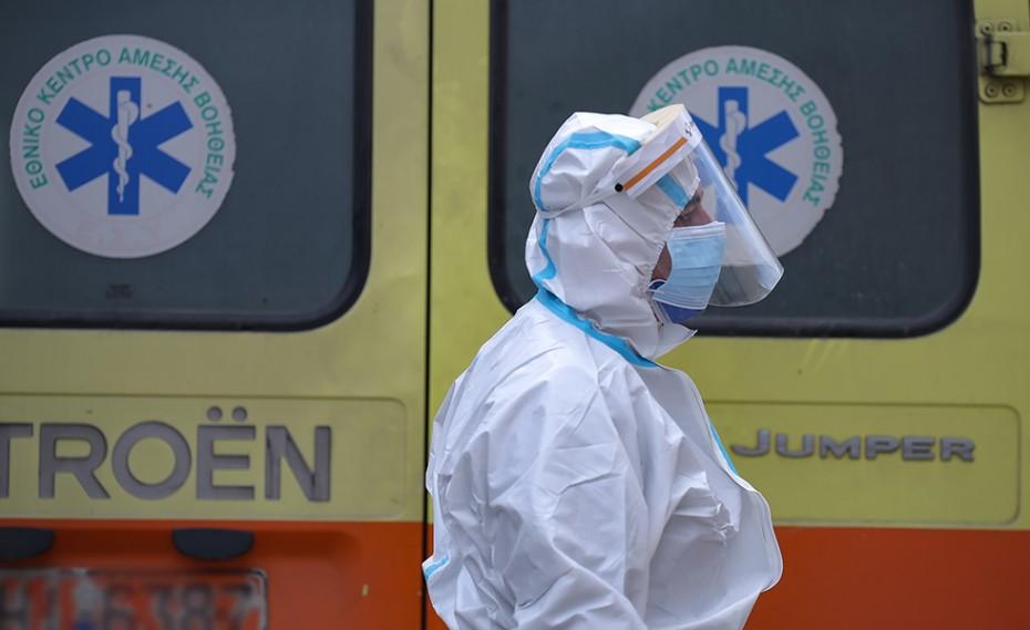 Κορονοϊός: 800 νέα κρούσματα και 32 θάνατοι