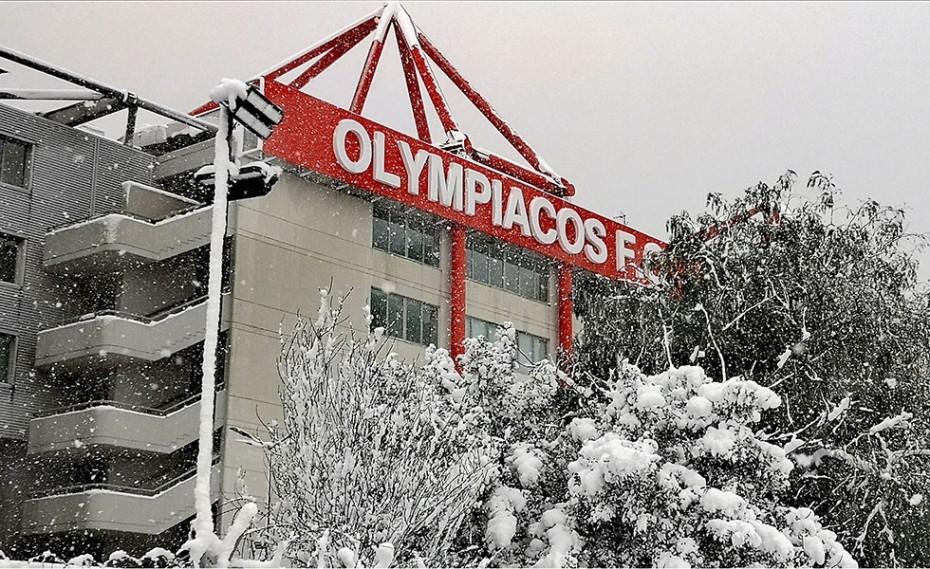 PSV σε Ολυμπιακό: «Σε βλέπουμε! Και δεν έχει και χιόνι…»! (video)