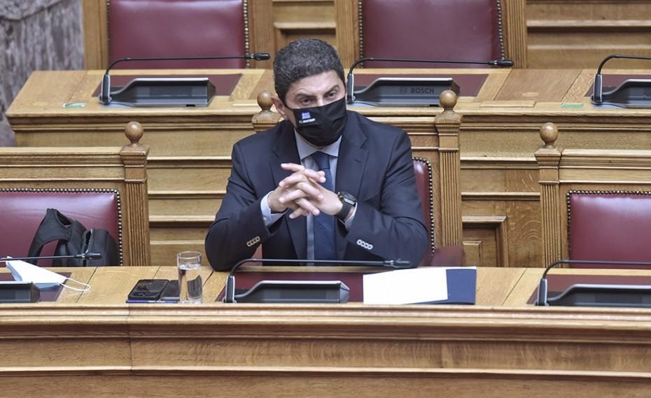 Αυγενάκης για εκλογές ΕΟΚ: «Δεν αξίζει στο μπάσκετ…»