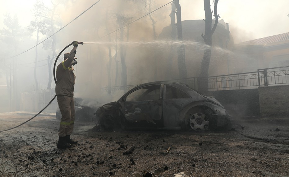 Πυρκαγιά στην Σταμάτα: Εμπρησμό καταγγέλλουν οι κάτοικοι (video)