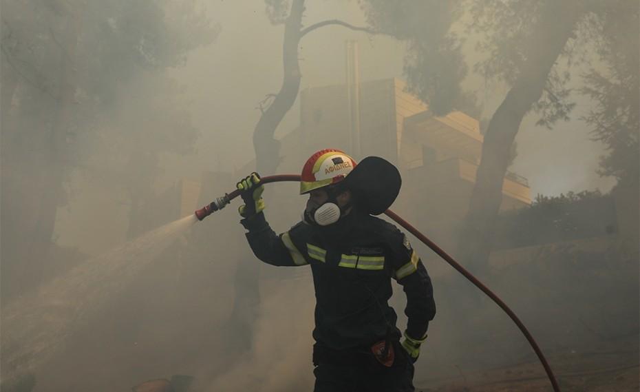 Αυτοψία του MEGA στην φωτιά στην Σταμάτα (video)