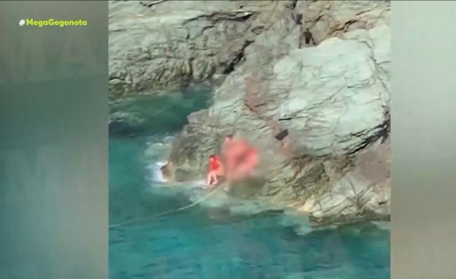 Φολέγανδρος: Η στιγμή που ανασύρεται το πτώμα της Γαρυφαλλιάς από τη θάλασσα