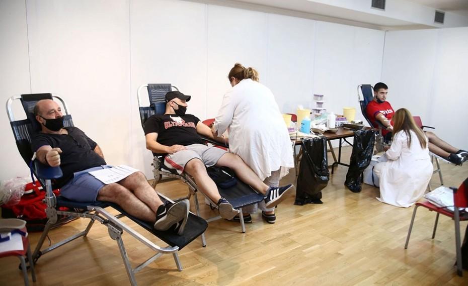 Οι ΓΑΥΡΟΙ έδωσαν αίμα για να σώσουν ζωές! (photos)